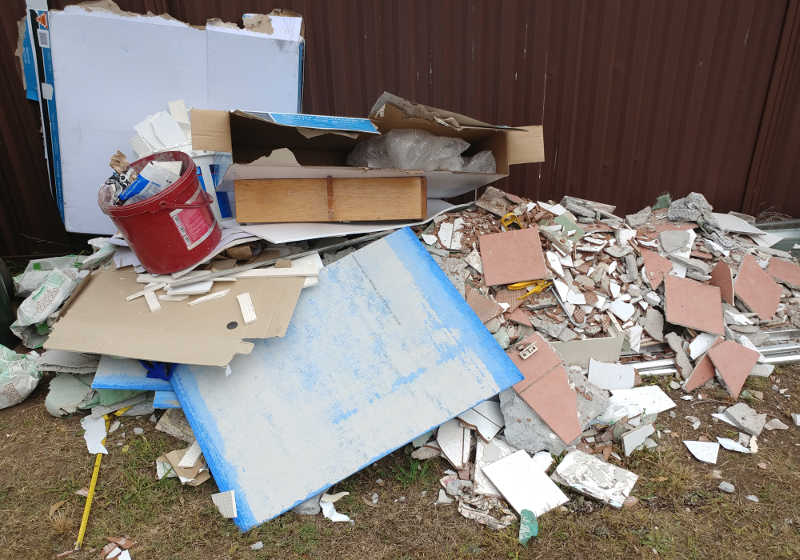 Mixed Heavy Waste for skip bins includes bricks tiles and other general light wastes