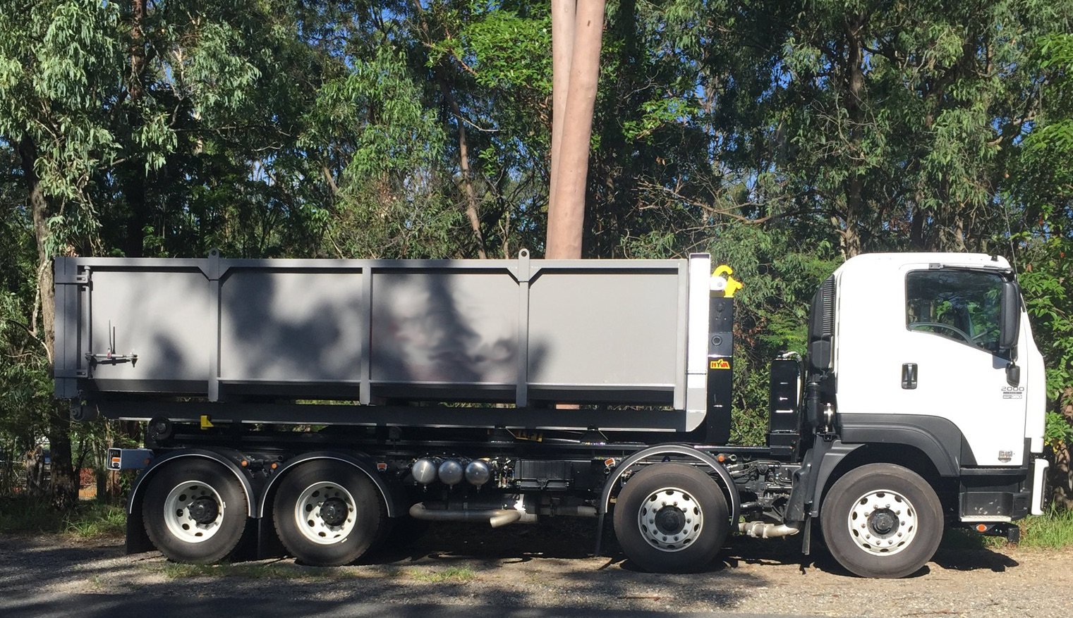 Big bin truck for Brisbane to Bribie Island