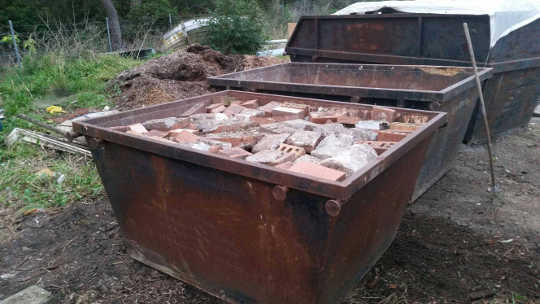 Knox Brick recycling Skip Bin in Rowville