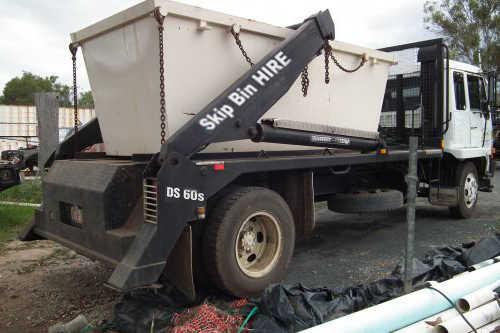 Toowomba Chain-lift Skip Bin Truck