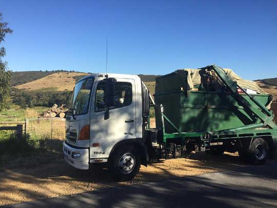 Mackay Chain Lift Skip Bin Truck at Nindaroo